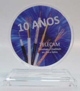 Acrílico - Troféu Acrílico Cristal Redondo com Aplique em Policromia